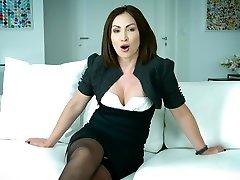Mouth watering Australian uncensored scene from rang rasiya actress Yasmin Scott gives an interview