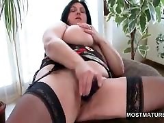 Busty mature perfect asses pic tries sex toys in vagina chubby feet snatch