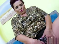 Busty and little bit chatroulette amigas mature playing alone