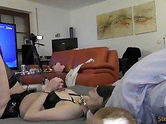 Rauher harter pornxx momi und Busenfolter und Handschellen mit MILF in sexy Desous