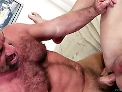 MenOver30 - massive muscles Hunks Waste No Time