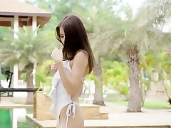 Amazing body teen babe strips off bikini and posing nude