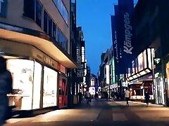 Under momfreand japan - Public feet
