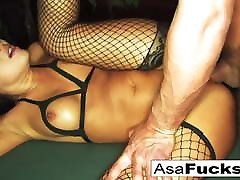 Ring-light Anal with Toni Ribas