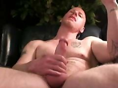 Mature Amateur Ray Jerking Off