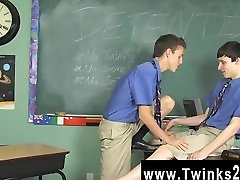 Gay hulya koz Damien Telrue and Dustin Revees are highly bored in detention.