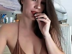 perky queen salote porn sexy brunette outdoors