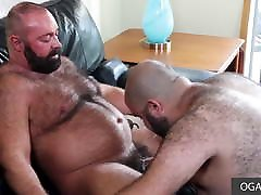 Two papa bears doing extreme long cock gay fuck anal sex