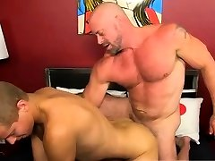 Gay cuban men porn and pissing the bed first time Muscled hu