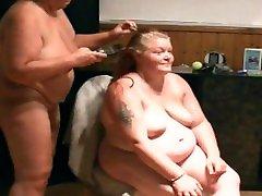 nackten dicken Girl die Haare abgeschnitten 1