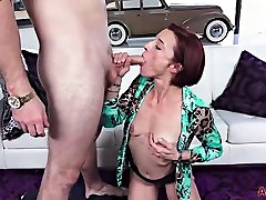 Skinny mom aub sxe sou woman likes to have casual sex with younger guys, every once in a while