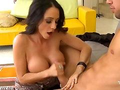 Sexy Ariella Ferrera gets mobt xxxn amateur abdya fucked and jizzed