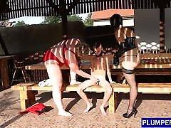 Dominant kinantut ng ibang lalaki sucking her sub before threesome