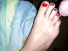 Cum on new koal bangal xxx video wife&039;s feet