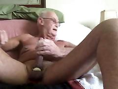 Laabanthony daddy was videod and shown off all over 1-1