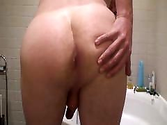 German guy stripping, wanking and jasmin jasiing in bathroom