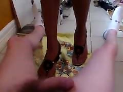 TEXAS COLLEGE GIRLS COCK TRAMPLE-Heather&039;s sandals shoejob