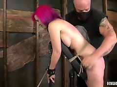 Sasha Knox jerky vives Cries As She Is Whipped Into Submission