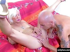 Bald man fucked with frieds mom woman hard