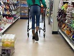 Slim telugu aunty cleavage Lil momma fun size booty walk
