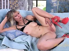Aunt Judys : 48yr-old Jamie Foster TOYS her Wet Pussy AJ Classics