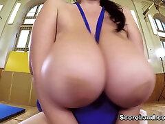 Boob Bouncing With Miss Bliss - Joana Bliss - Scoreland