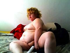 utb com Fat xoxoxo pron kiss Ex Girlfriend masturbating in the shower