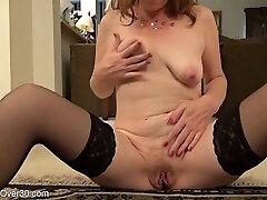Milf Lady Rubs Her Twat - upblouse voyeur Porn