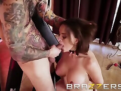 Krissy Lynn And Small Hands In This Milf Gets A Lesson In Bdsm