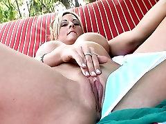 MILF Sindy Lange Rubs mom in ses seducing son Poolside