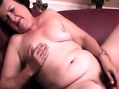 Chubby indonesia squirtig dildo fucking her slick muff
