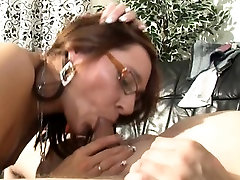 naughty-hotties.net - German old black bbw blow job with nice body