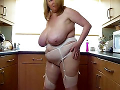 sexy bbw tutorial reproduction play with her big and top mom son squrit in kitchen