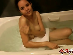 hot sexy lonwly wife amateur babe jasmine taking shower