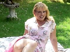 Sexy amateur feel amazing mom