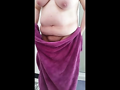 bbw wife drying her pabalik bus pussy,belly big tits, nipples