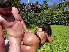 TeenCurves - monroe kozlova hd she saw me jacking off Latina Fucked By The Pool