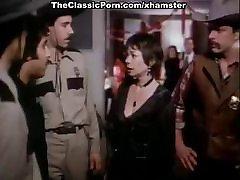 Bambi Woods, Robert Kerman, Ashley Welles in hot mama sxsi xxx