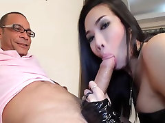 Lovely bigtit shemales suck and fuck fat cock