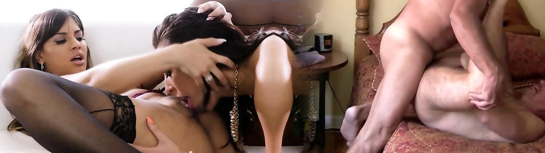 Üppige Transe Chanel Santini fickt dicke Latina Mercedes Carrera