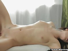 Massage X - New masseur and a happy ending