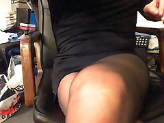 CD masturbation and cumshot in Fatal15 pantyhose