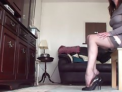 gater belt, nylons n heels