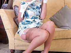 Tammie loves dressing up and adores her vintage and retro lingerie, fully fashioned nylons and...