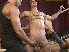 Logan Stone is a hot electrician who loves getting edged. He joins Jessie and Sebastian for a...