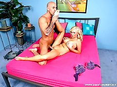Blonde babe gives a hung stud one hot foot job