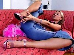 Porn star sweet Sophie Moone