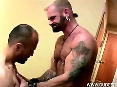 Hairy Daddy hunks Tober Brandt and Jayson Park start off