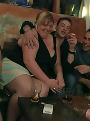 The fatties are half-naked in the bar and sucking cock to show their men how BBWs like to play