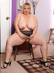 Huge titted BBW gets an extra serving of love butter!